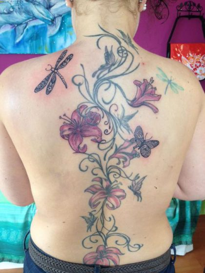 Farbreiz-Tattoo-Lilien-Tattoo