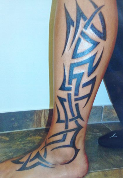 Farbreiz-Tattoo-Tribal-Tattoo-5