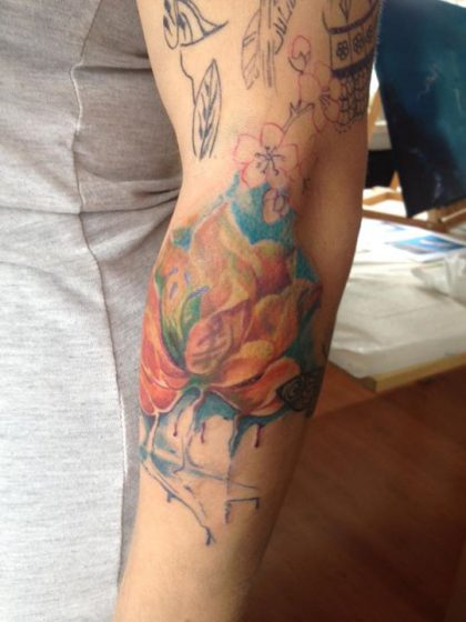 Farbreiz-Tattoo-Watercolor-Wasserlilien-Tattoo