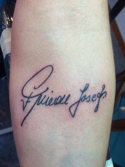Farbreiz-Tattoo-In-Loving-Memory